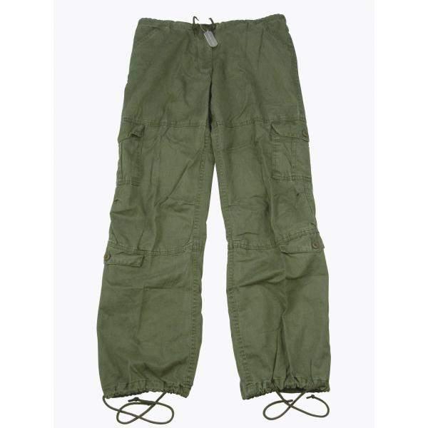 women wear pants